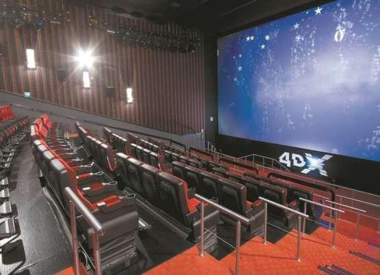 Calientan regreso a cines con videos sobre seguridad y limpieza